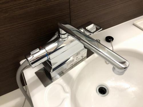 水温調節がしやすいサーモ付き混合水栓