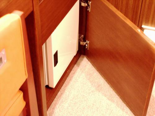 小型冷蔵庫【全室】