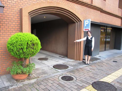 敷地内駐車場(西川入口)